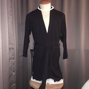 NIP*Black & lace waist length kimono
